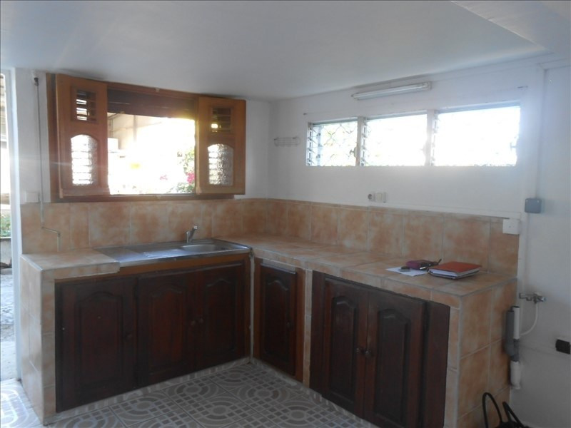 Rental apartment Basse terre 650€cc - Picture 4
