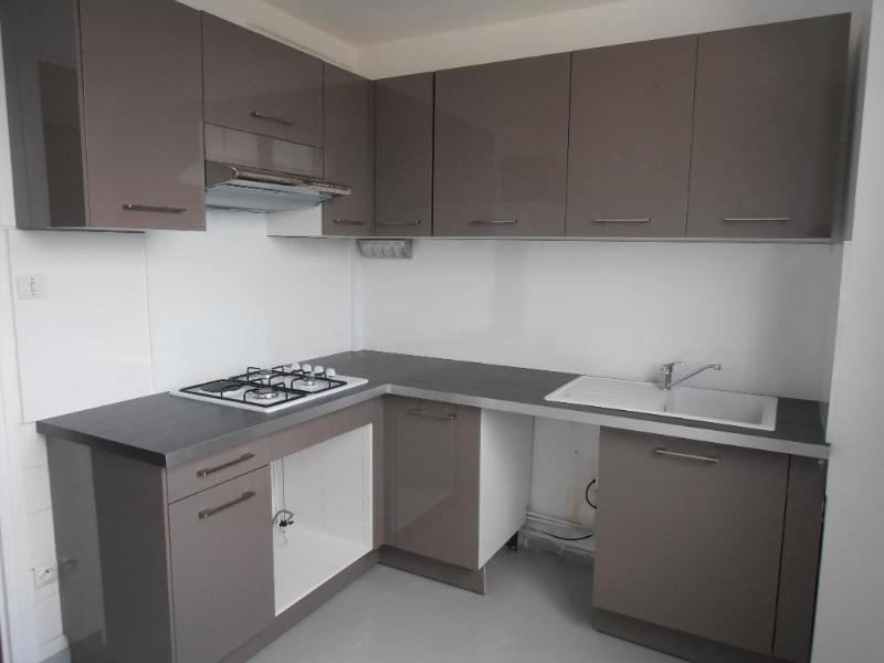 Location appartement Oyonnax 630€ CC - Photo 1