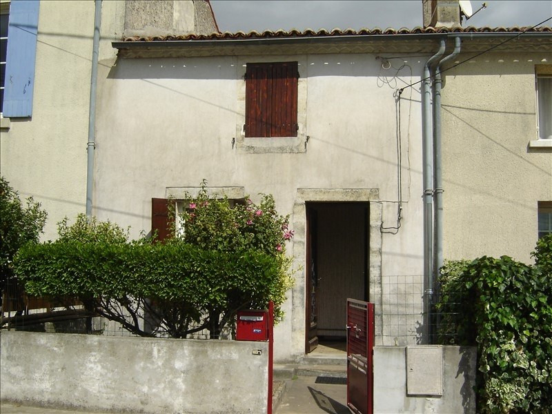 Rental house / villa St jean d angely 520€ CC - Picture 1