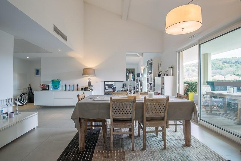Deluxe sale apartment Bouc bel air 821000€ - Picture 4