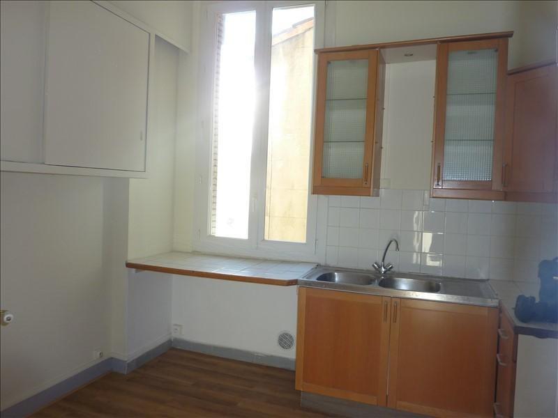Location appartement Marseille 6ème 905€ CC - Photo 3