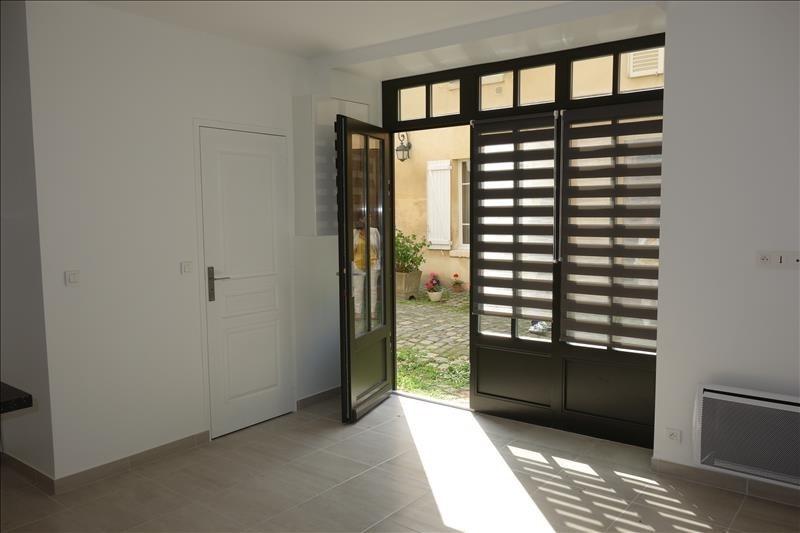 Sale apartment Versailles 249000€ - Picture 2