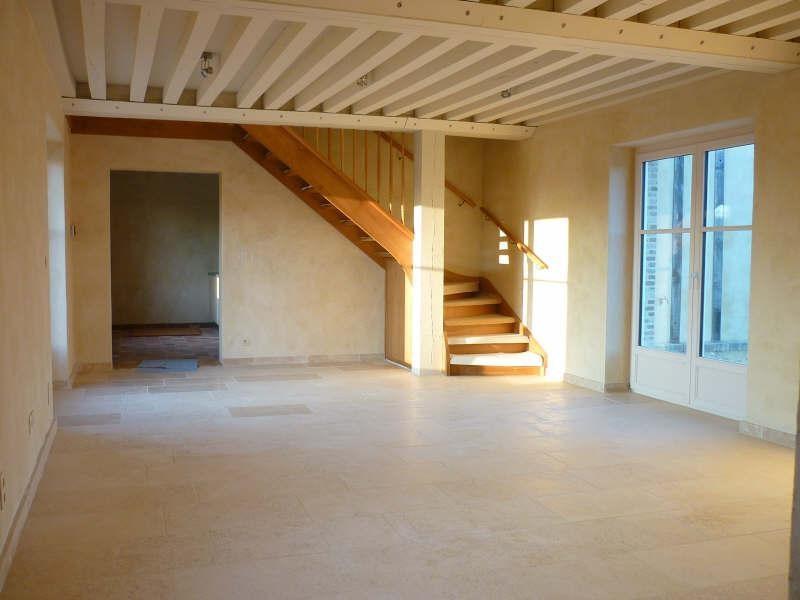 Location maison / villa St aquilin de corbion 710€ CC - Photo 2
