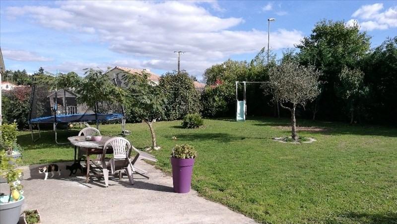 Sale house / villa St etienne du bois 165584€ - Picture 5