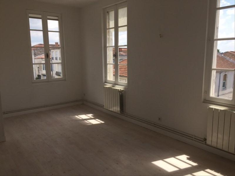 Location appartement Rochefort 565€ CC - Photo 2