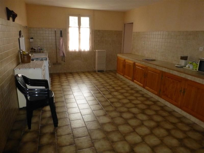 Sale house / villa Saint-jean-d'angély 107 000€ - Picture 4