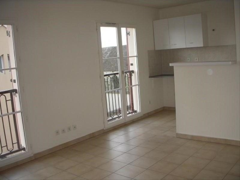 Rental apartment Montereau fault yonne 430€ CC - Picture 3