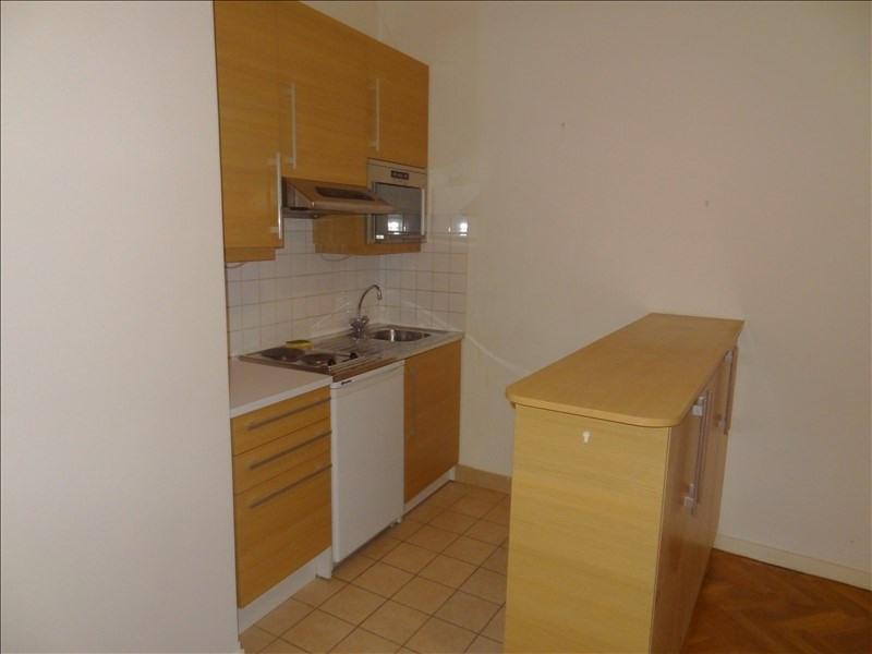 Location appartement Levallois perret 856€ CC - Photo 2