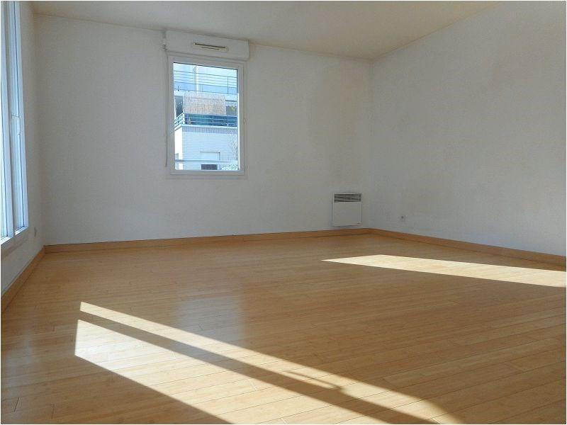 Rental apartment Juvisy sur orge 1063€ CC - Picture 1