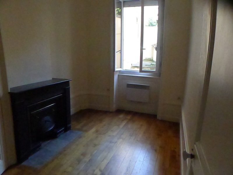 Location appartement Oullins 431€ CC - Photo 2