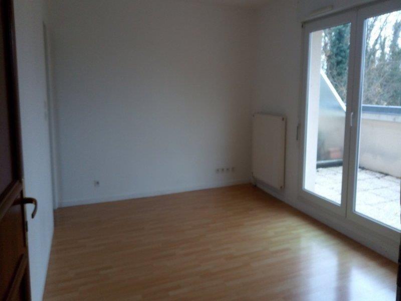 Rental apartment Saint parres aux tertres 420€ CC - Picture 3