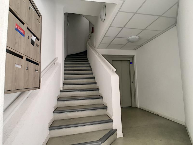 Affitto ufficio Embrun 480€ HT/HC - Fotografia 2