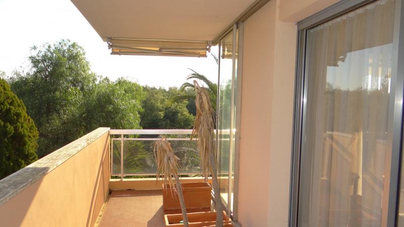 Location vacances appartement Cavalaire 500€ - Photo 18