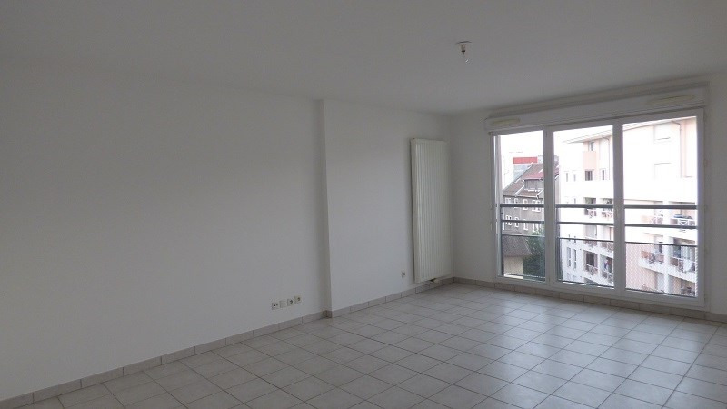 Rental apartment Annemasse 949€ CC - Picture 2