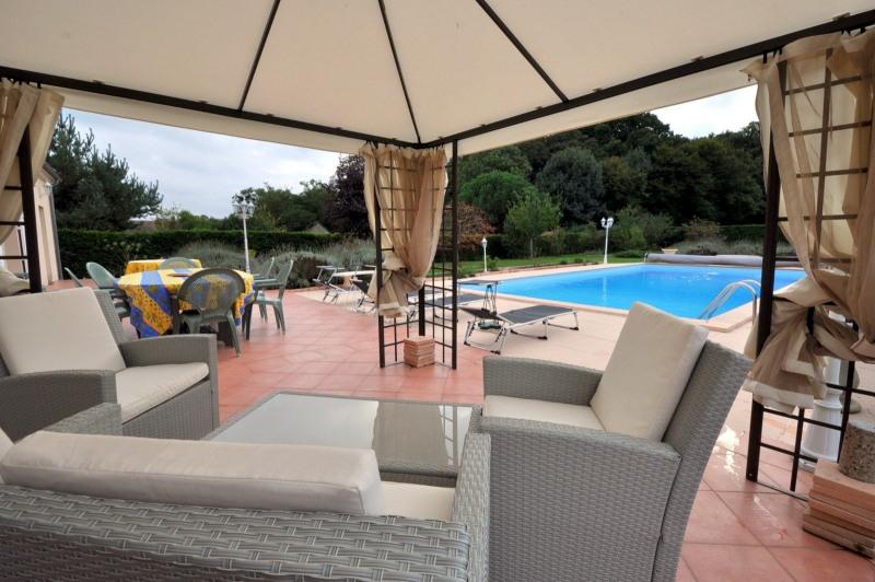 Sale house / villa St cheron 719000€ - Picture 3