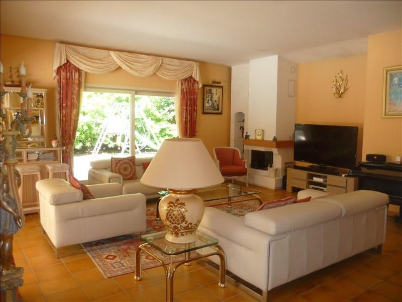 Deluxe sale house / villa Charbonnieres les bains 1230000€ - Picture 3