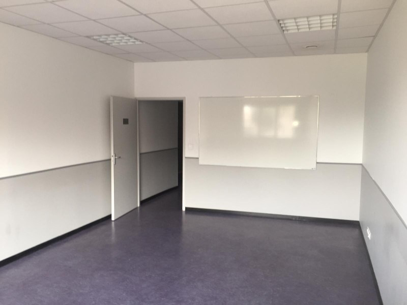 Location local commercial Roanne 1780€ HT/HC - Photo 2