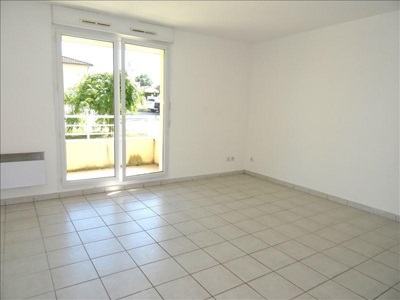 Location appartement Villerest 370€ CC - Photo 1