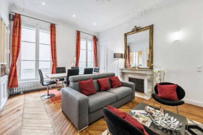 Location appartement Paris 8ème 4 300€ CC - Photo 2