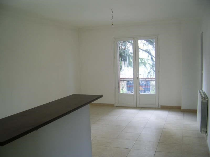 Sale apartment Nimes 97 000€ - Picture 2