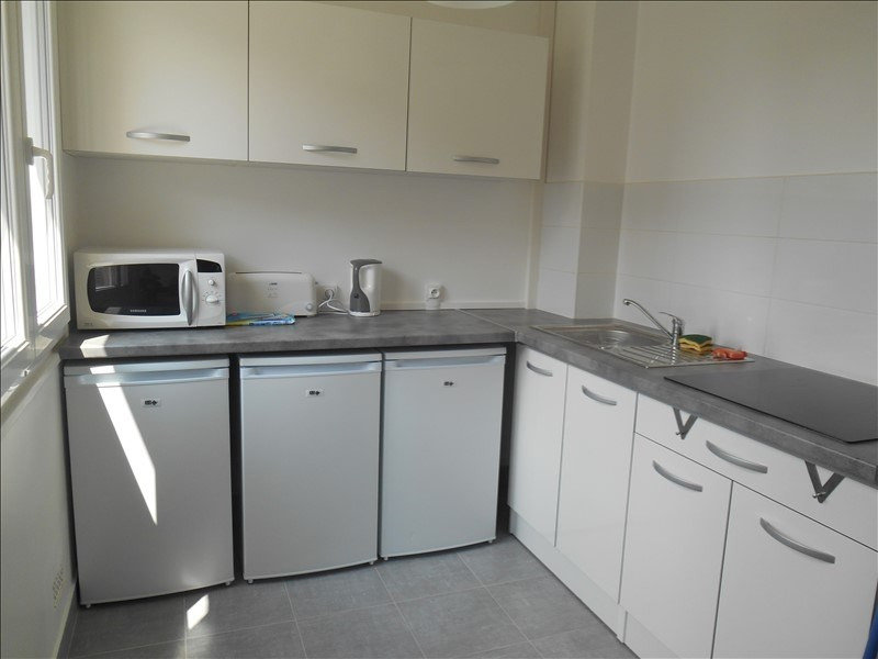 Location appartement Troyes 360€ CC - Photo 3