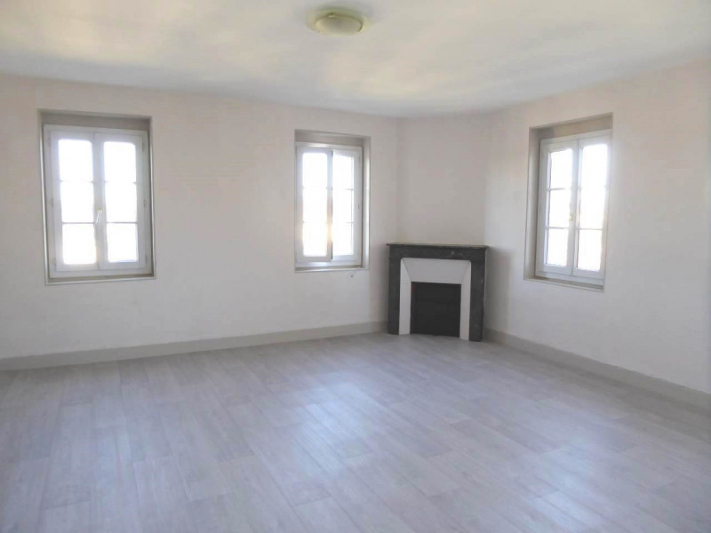 Rental apartment Cognac 330€ CC - Picture 2