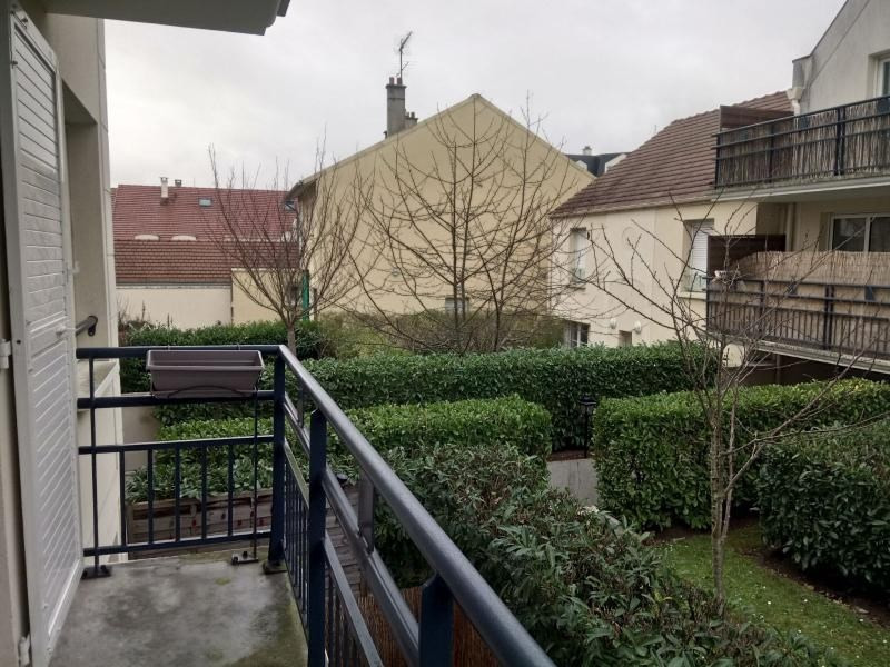 Rental apartment Poissy 750€ CC - Picture 1