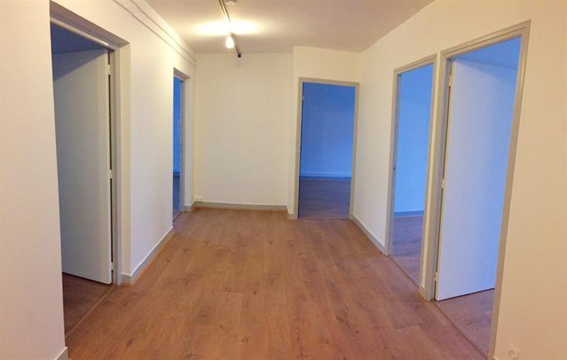 location bureau versailles yvelines 78 110 m r f rence n vers100. Black Bedroom Furniture Sets. Home Design Ideas