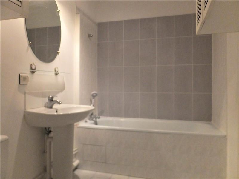 Location appartement Guyancourt 830€ CC - Photo 3