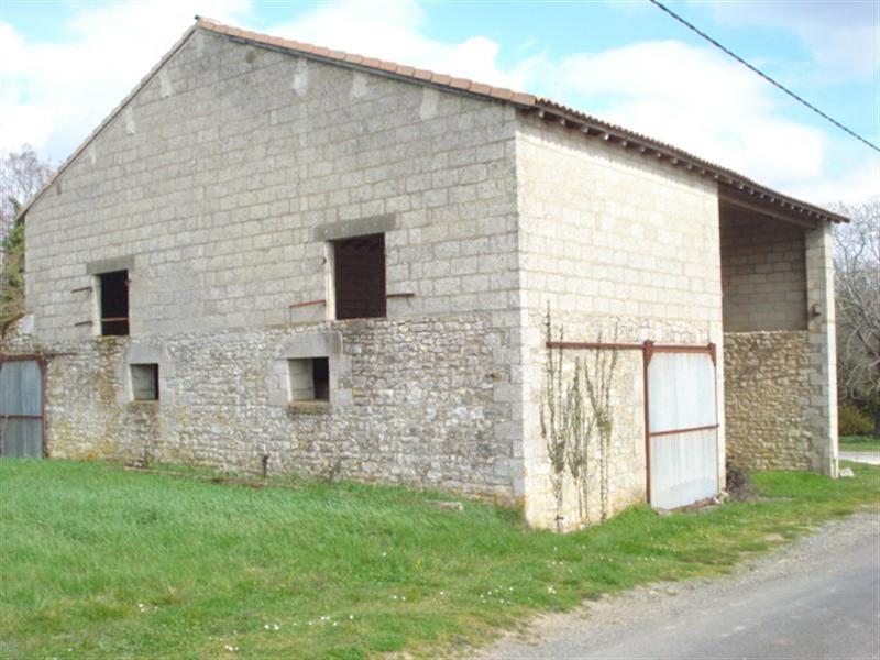 Sale house / villa Saint-savinien 75000€ - Picture 1
