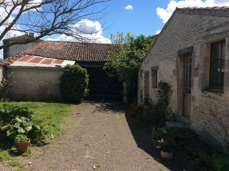 Sale house / villa Matha 111825€ - Picture 2