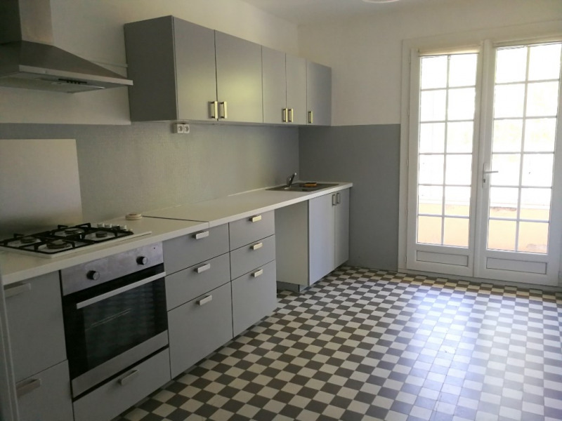 Rental apartment Aix en provence 1 380€ CC - Picture 2