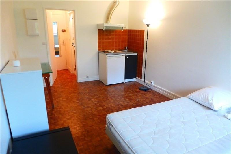 Rental apartment Garches 500€ CC - Picture 1