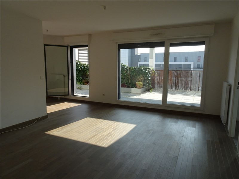 Rental apartment Colombes 1935€ CC - Picture 1