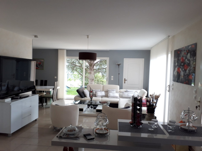 Sale house / villa Soyaux 416 000€ - Picture 1