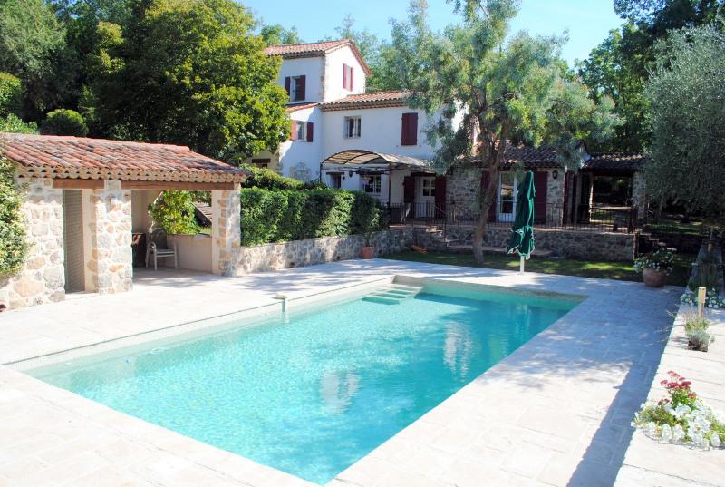 Deluxe sale house / villa Montauroux 1050000€ - Picture 1