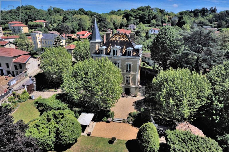 Sale house / villa Neuville sur saone 450000€ - Picture 2