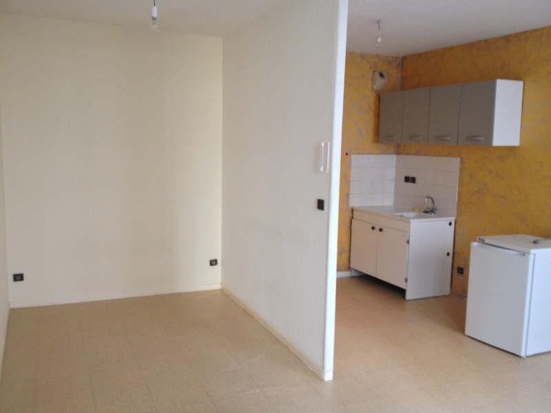 Verhuren  appartement Voiron 280€ CC - Foto 1