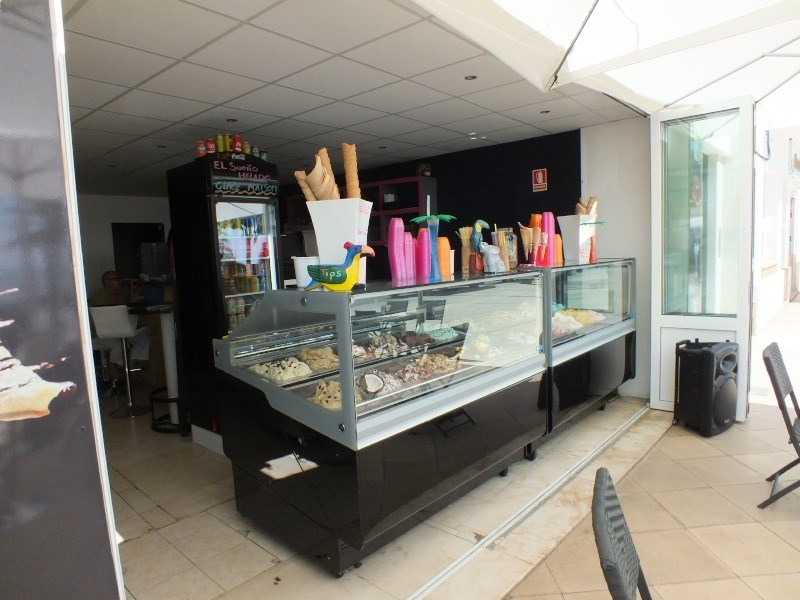 Vente fonds de commerce boutique Roses 170 000€ - Photo 3