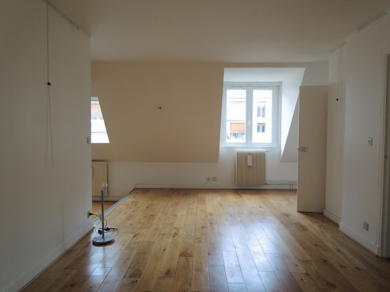 Rental apartment Paris 3ème 2679€ CC - Picture 6