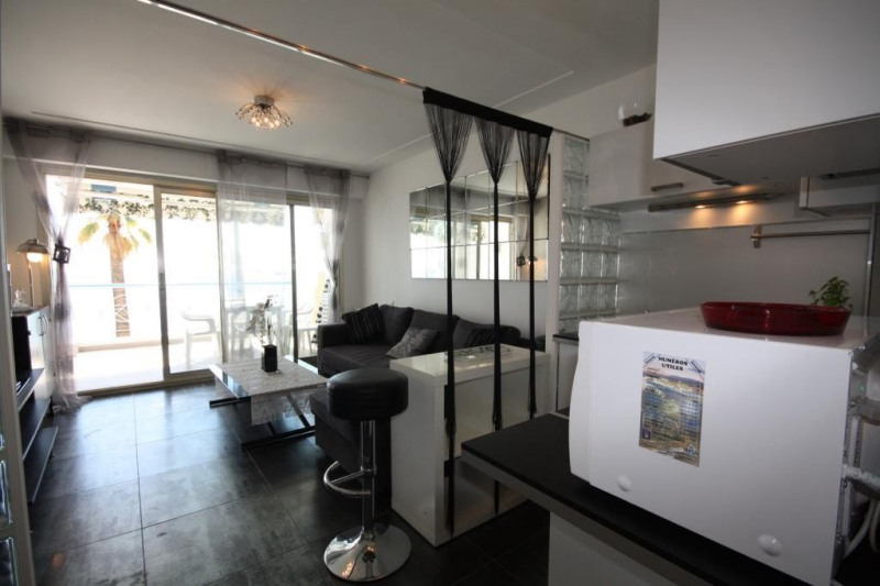 Vacation rental apartment Juan-les-pins  - Picture 4