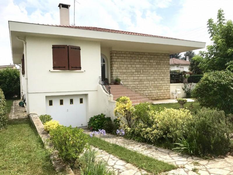 Sale house / villa Le passage 212000€ - Picture 1