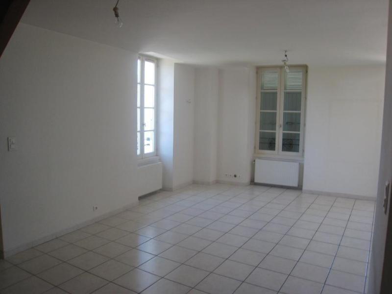 Location appartement La roche sur foron 850€ CC - Photo 3