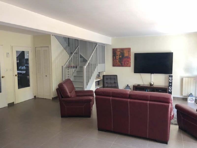 Sale house / villa Lesigny 380000€ - Picture 2