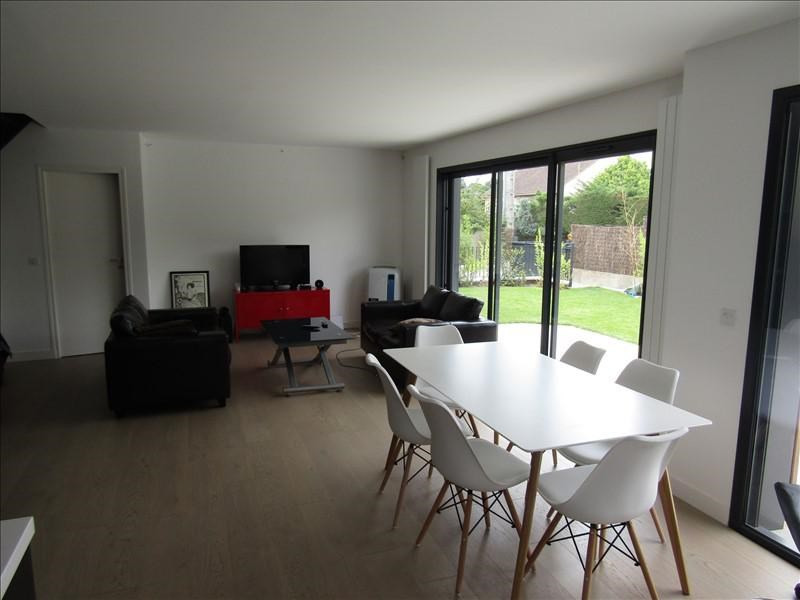 Location maison / villa Le mesnil le roi 2400€ +CH - Photo 3