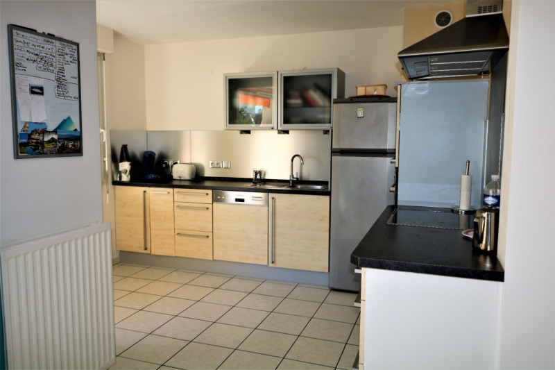 Sale apartment Decines charpieu 218 000€ - Picture 3