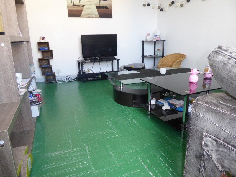 Location appartement Aubenas 420€ CC - Photo 2