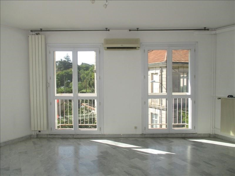 Sale apartment Nimes 221500€ - Picture 2