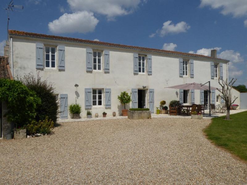 Deluxe sale house / villa Perigny 997500€ - Picture 2