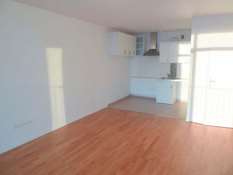 Rental apartment Cergy 895€ CC - Picture 2